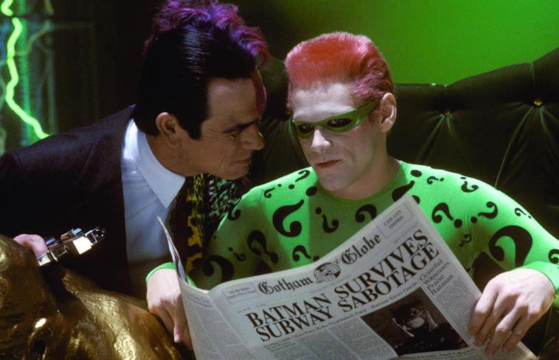 Jim Carrey e Tommy Lee Jones in una scena di Batman Forever