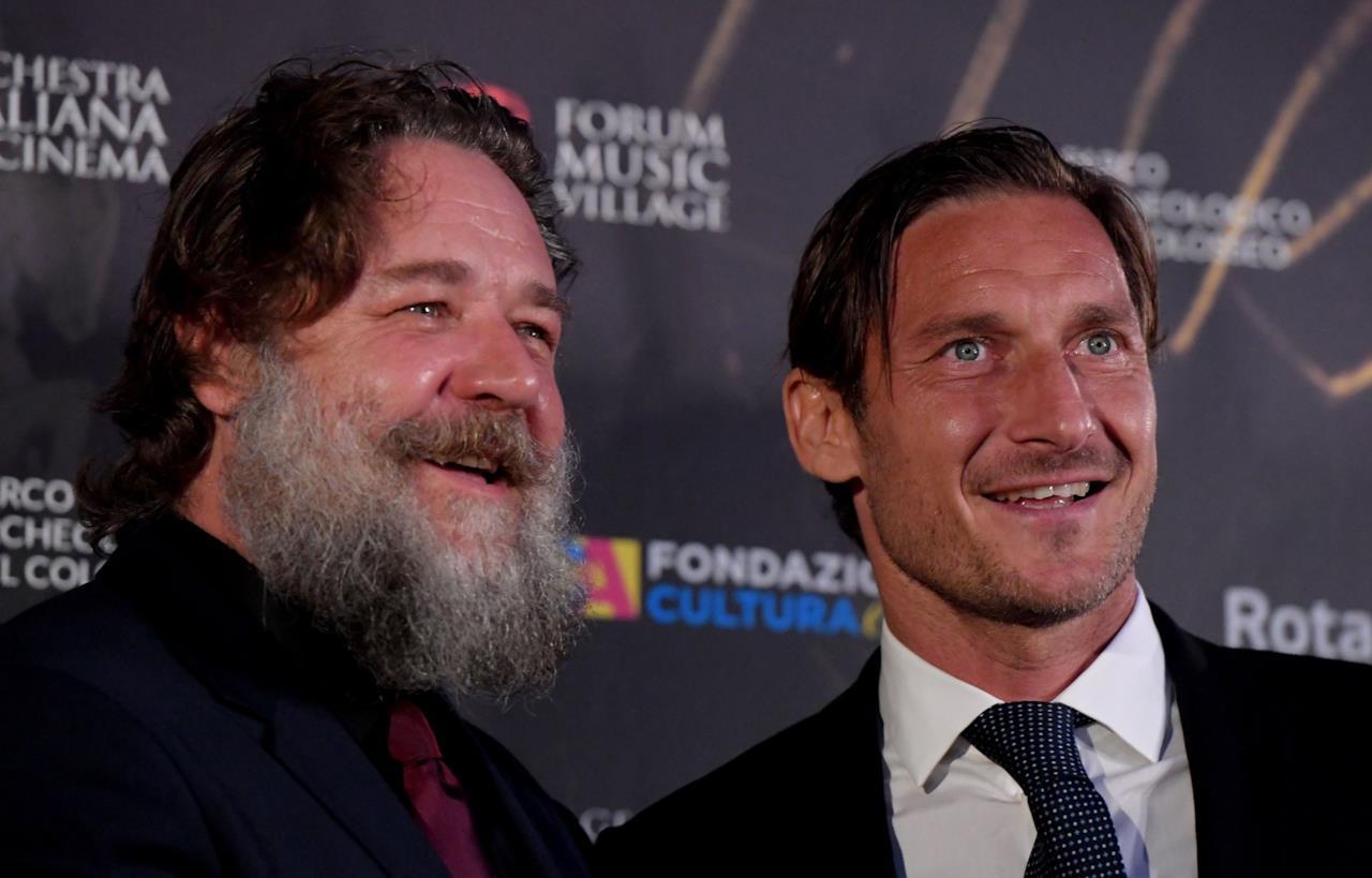 Il Gladiatore in concerto: Totti e Russell Crowe