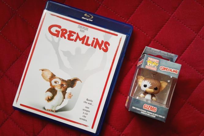 Il Blu-ray di Gremlins e il Funko Keychain di Gizmo