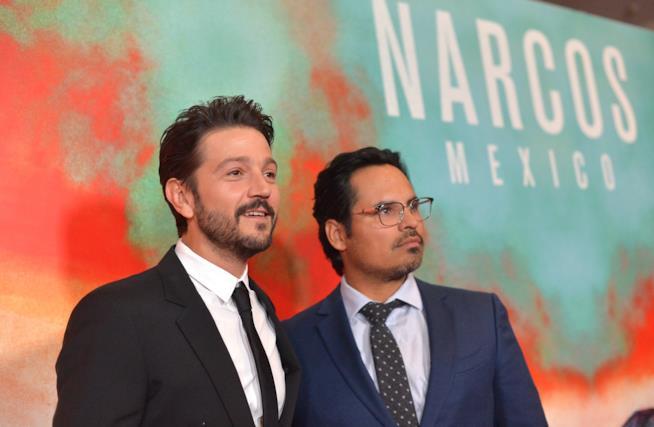 Diego Luna e Michael Peña durante l'anteprima della serie Narcos: Mexico