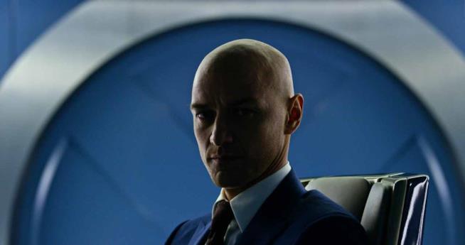 James McAvoy nei panni del pelato Professor X