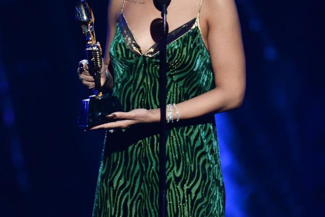 Rihanna ai Billboards Music Awards
