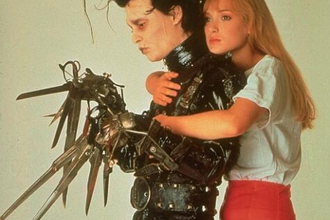 Kim abbraccia Edward