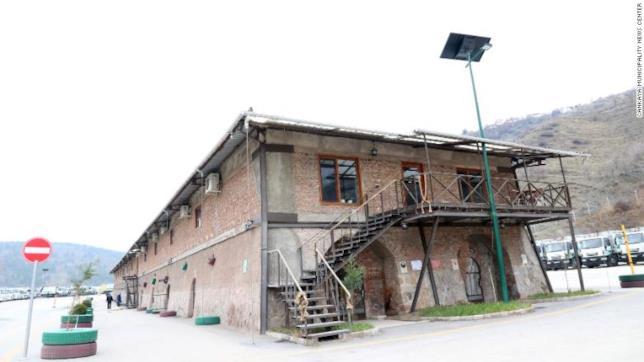 La facciata esterna dell'edificio di Ankara che ospita la libreria dei libri dimenticati