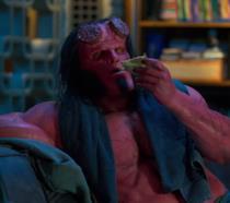 Hellboy si gusta una pizza nella nuova clip del film (intanto arrivano nuove immagini)