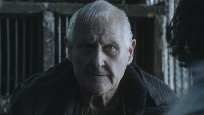 Peter Vaughan in una scena di Game of Thrones