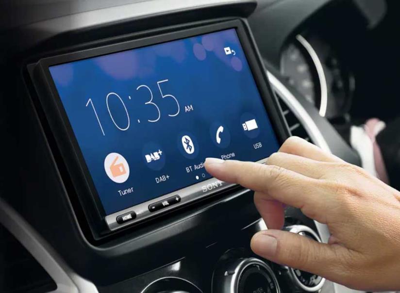 Il bellissimo e funzionale ricevitore AV per auto di Sony