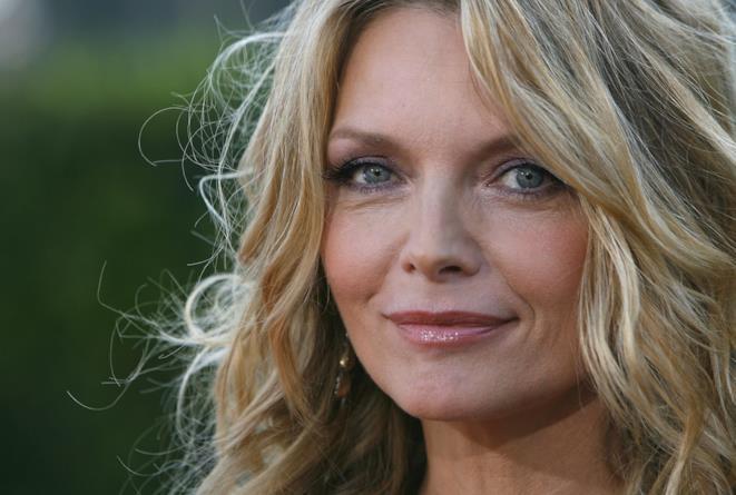 Primo piano dell'attrice Michelle Pfeiffer