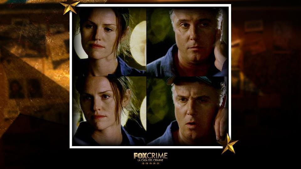 """Ep. 2x5, """"Volare sott'acqua"""": in questo episodio per la prima volta Sara ha un contatto fisico con Gil."""
