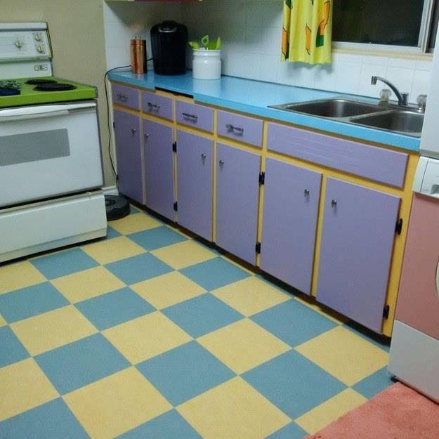 Particolare della cucina ispirata ai Simpson