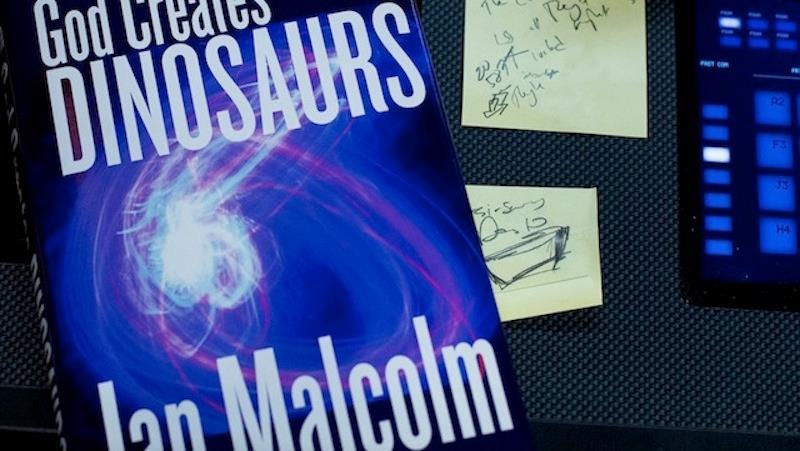 God Creates Dinosaurs, la copertina del libro di Ian Malcolm in Jurassic World
