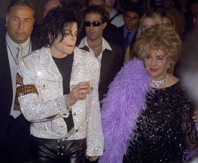 Michael Jackson ed Elizabeth Taylor, protagonisti di una leggenda urbana sull'11 settembre