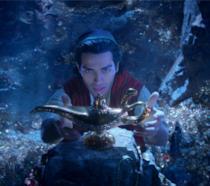 Aladdin prende la lampada