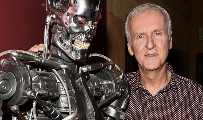 James Cameron con il robot di Terminator