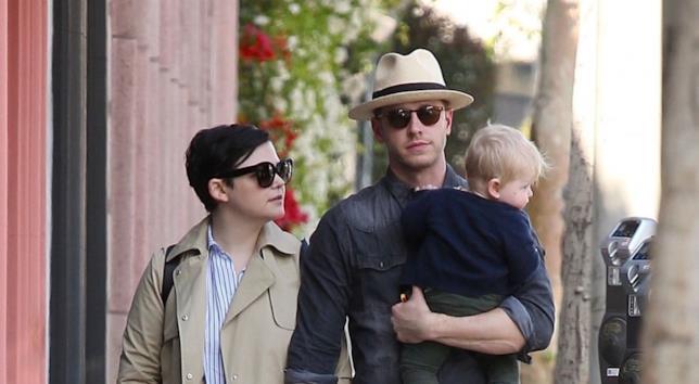 Ginnifer Goodwin, Josh Dallas e il loro primo figlio Oliver Finlay Dallas.