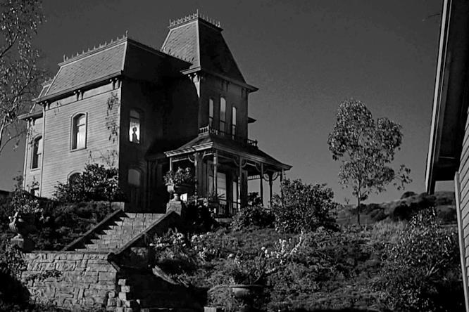 La casa dove Norman vive con sua madre in Psycho, di fianco al Bates Motel