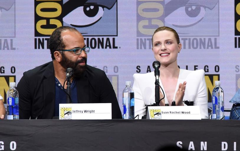 Jeffrey Wright ed Evan Rachel Wood al panel di Westworld al SDCC 2017