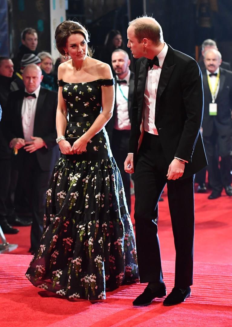 Kate Middleton ai BAFTA, look Alexander McQueen