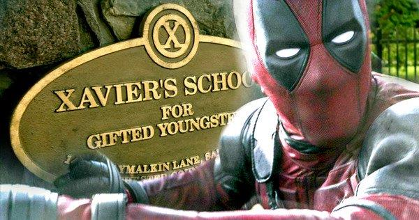Deadpool ha deciso di far visita alla X-Mansion come dimostra l'iconica targa