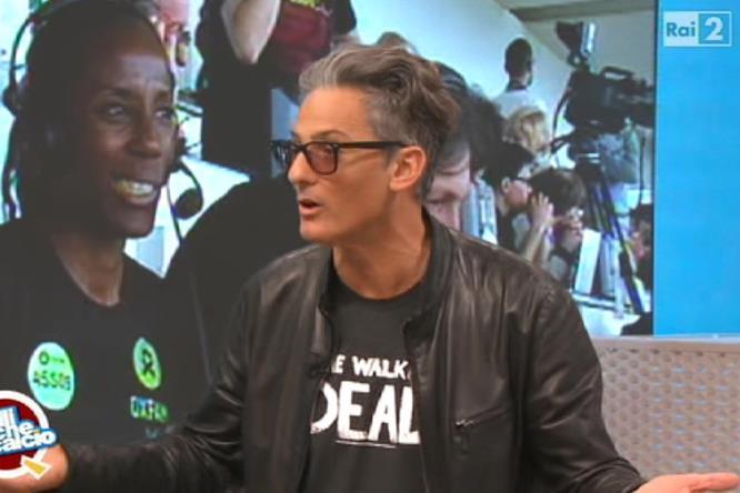 Fiorello appare con la maglietta di The Walking Dead