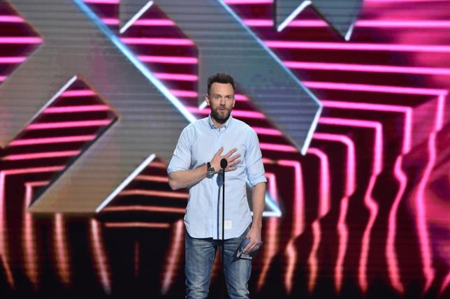 Joel McHale sul palco dei The Game Awards 2018