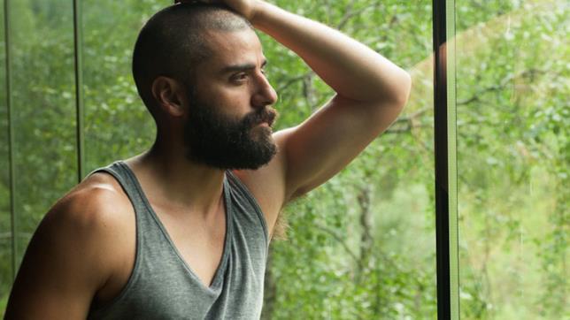 Un film romantico nel futuro di Oscar Isaac