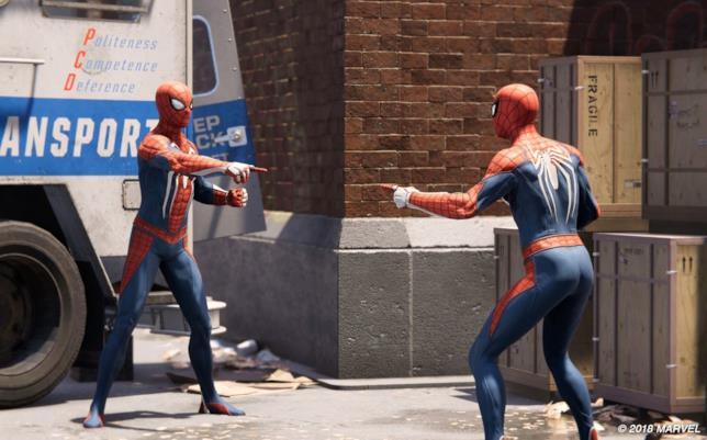 Uno screen di Marvel's Spider-Man per PS4, dove Spider-Man incontra il suo emulatore
