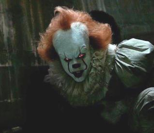 Il mostro Pennywise nel film IT