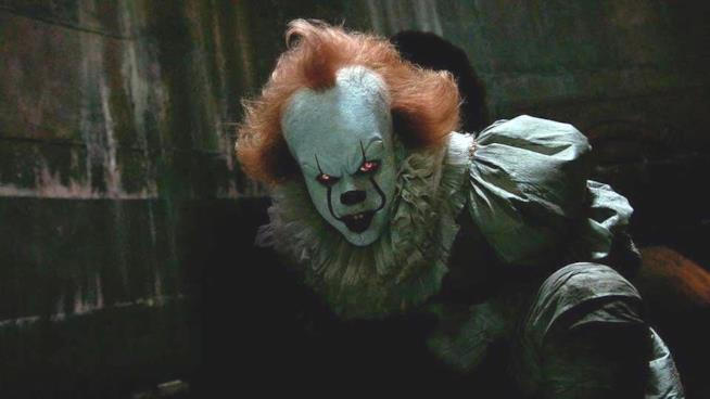 Il mostro Pennywise nel film IT