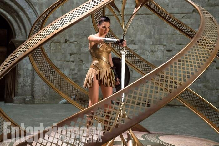 Gal Gadot in una nuova immagine dal cinecomic Wonder Woman