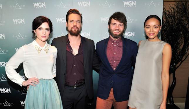 Diversi membri del cast di Salem alla premiere