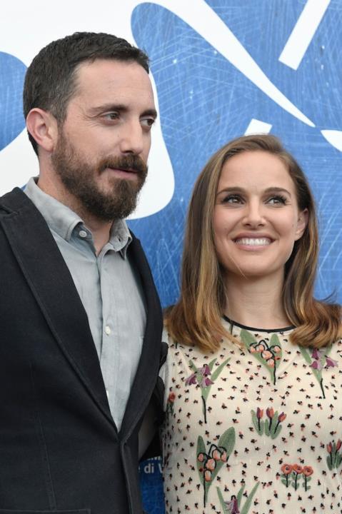 Il regista Pablo Larraín e Natalie Portman  alla conferenza stampa di Jackie a Venezia 73