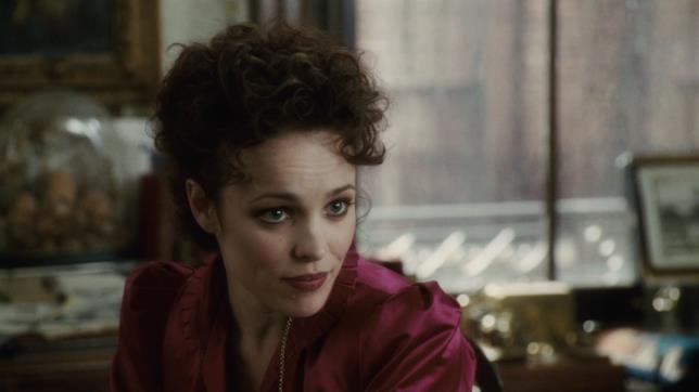 Una scena di Sherlock Holmes con Rachel McAdams