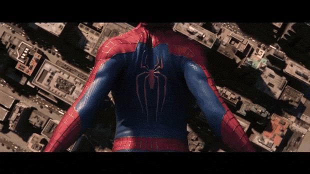 Spider-Man in caduta libera