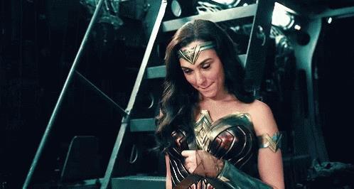 Wonder Woman in una GIF