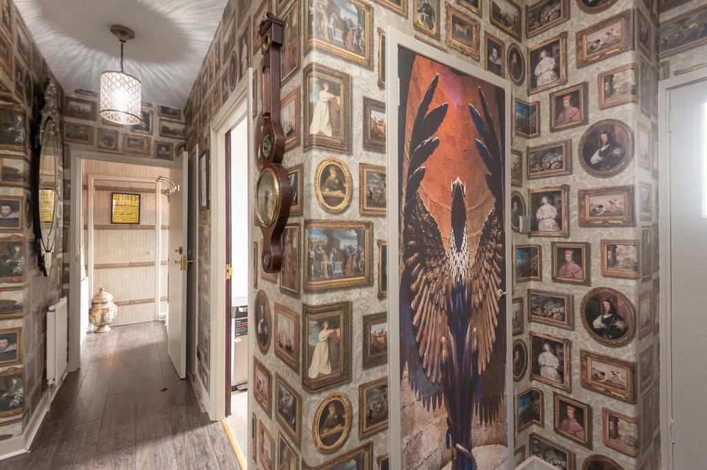 Canongate Luxury Apartment a Edimburgo: alcuni dettagli del corridoio