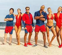 Tipi e tipe da spiaggia per la prima foto ufficiale del reboot di Baywatch