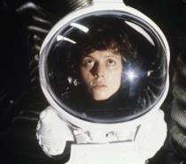 Sigourney Weaver è l'ufficiale Ripley in Alien