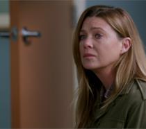 Meredith in un'immagine promozionale da Grey's Anatomy