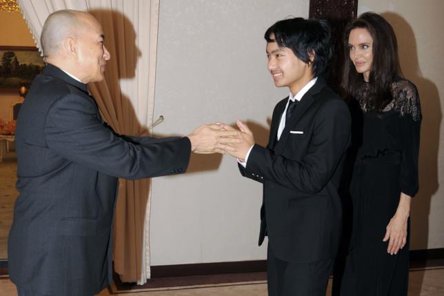 Maddox incontra il re della Cambogia