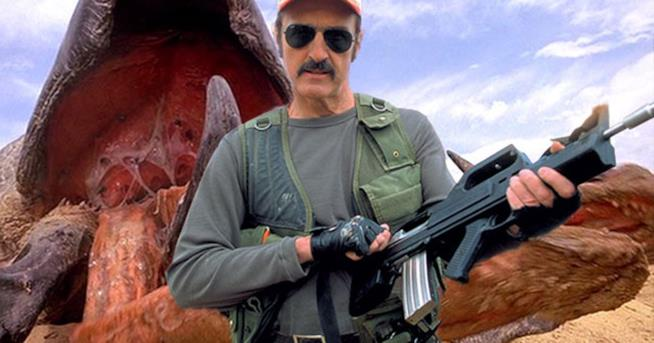 Burt Gummer e un Graboid in Tremors