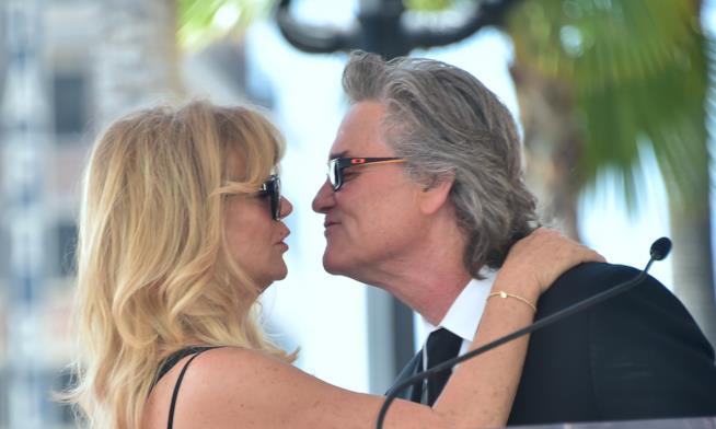 Tenerezze tra Goldie Hawn e Kurt Russell