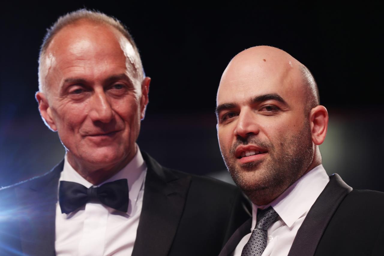 Stefano Sollima e Roberto Saviano sul red carpet a Venezia 76