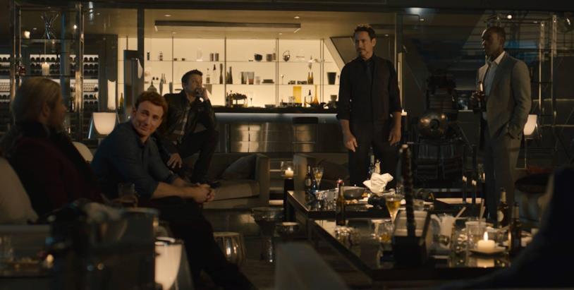Thor, Capitan America, Occhio di Falco, Iron Man e War Machine in Avengers: Age of Ultron