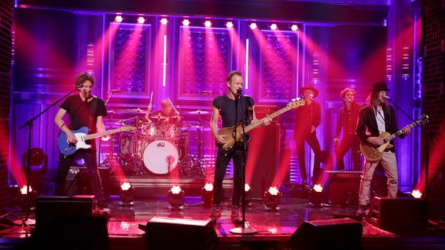 Sting sul palco di The Tonight Show con Jimmy Fallon