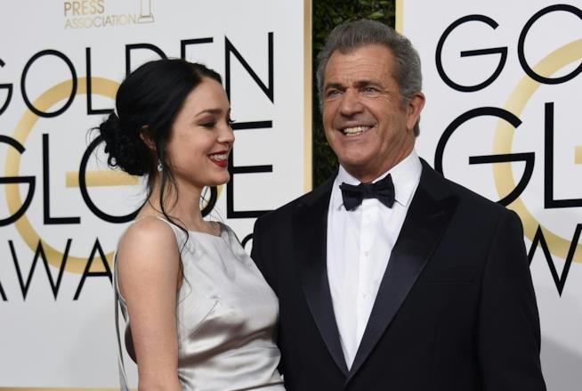 Mel Gibson con la compagna Rosalind Ross