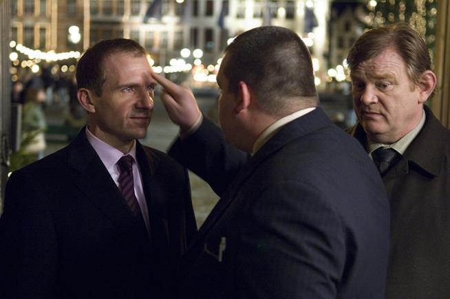 Ralph Fiennes e Brendan Gleeson in una scena del film