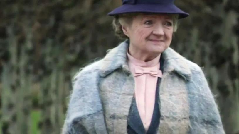 Primo piano di Julia McKenzie nei panni di Miss Marple