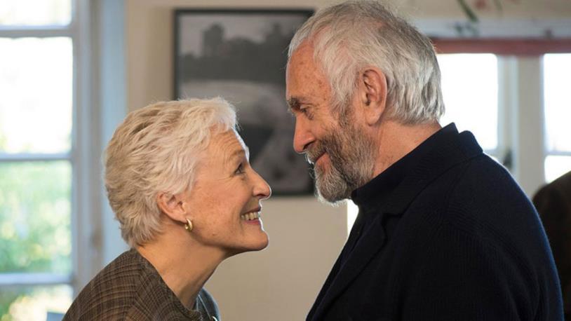 Glenn Close e Jonathan Pryce in una scena del film