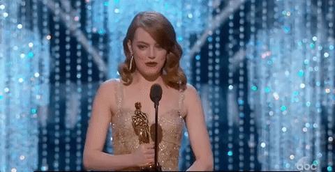 Emma Stone ritira l'Oscar